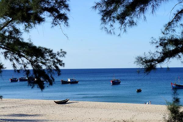 Photo of Biển Bảo Ninh giản dị và yên bình