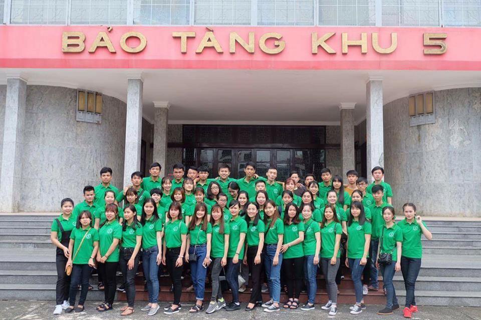 Photo of Sinh viên Đại học Quảng Bình tham quan bảo tàng Hồ Chí Minh