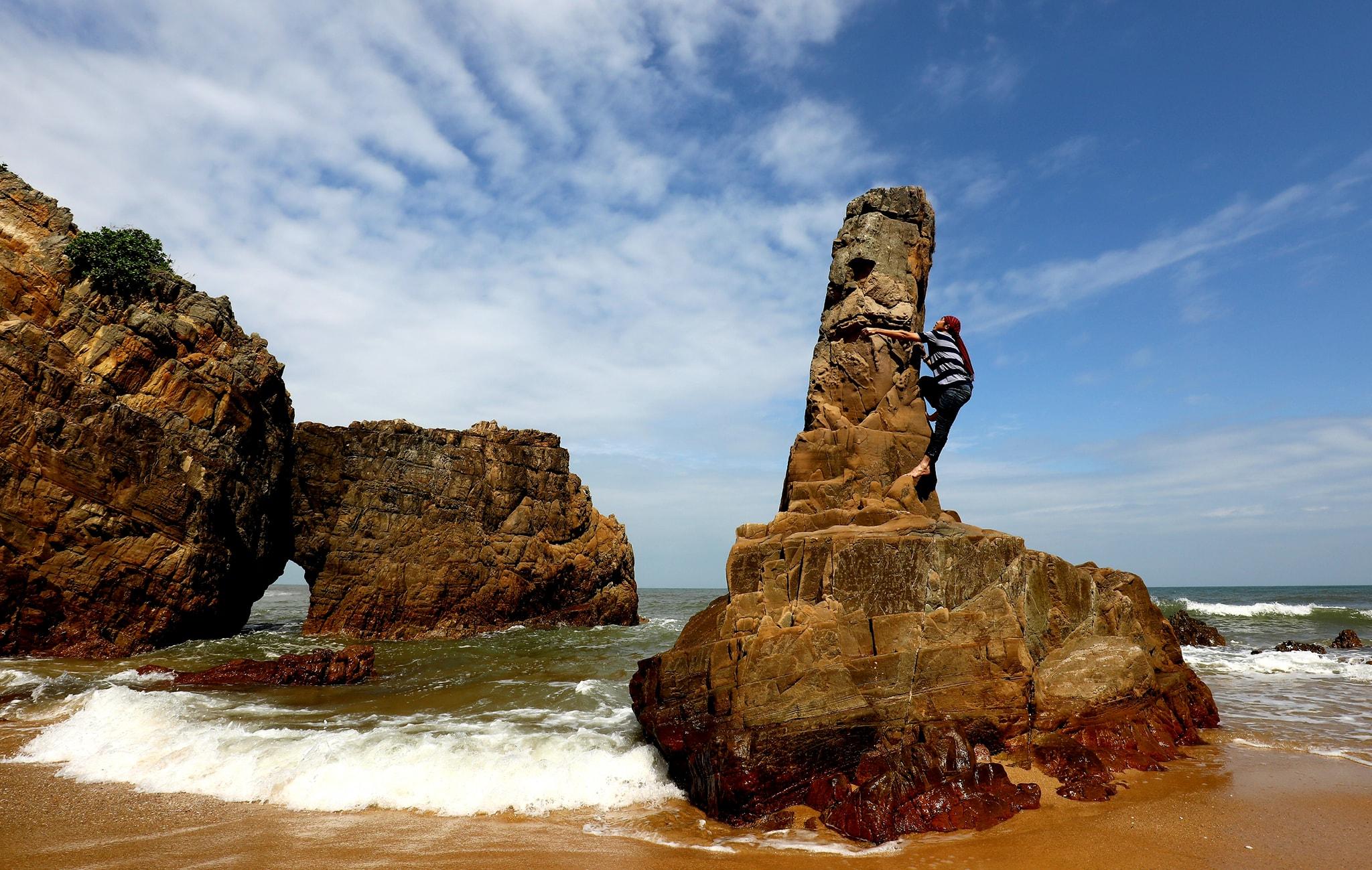 Photo of Đến Du lịch Quảng Bình tham quan Biển Đá Nhảy